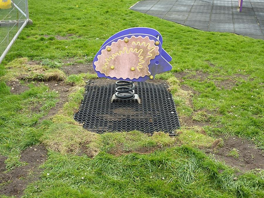 Safety mat around hedgehog