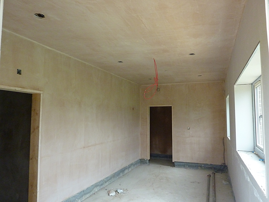 Changing room 2 plaster 1