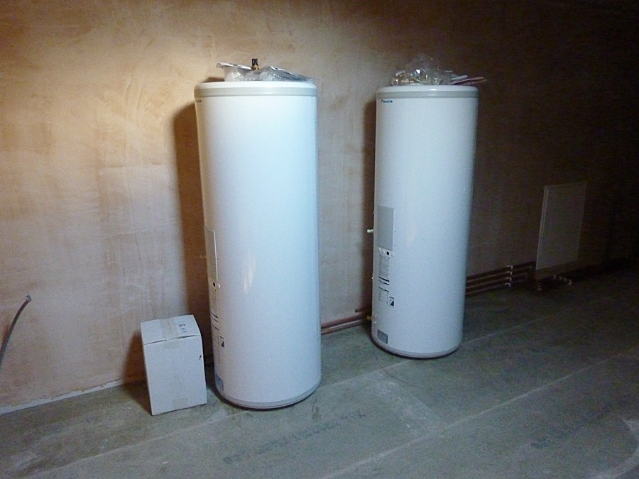 Hot water tanks 1