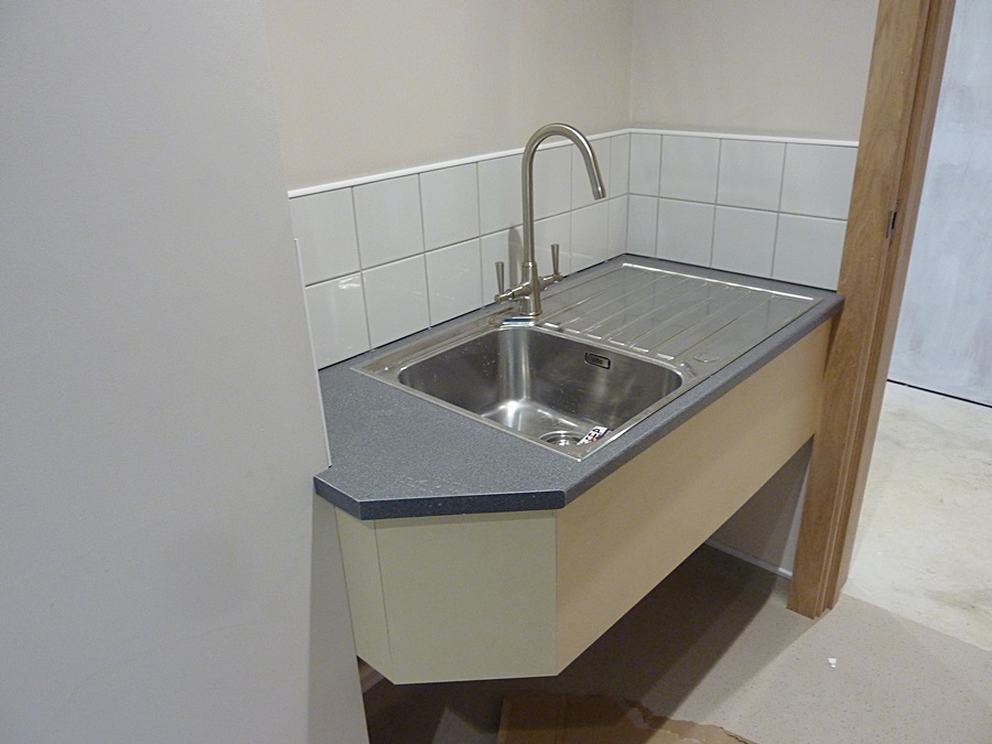 Refs room sink unit 2